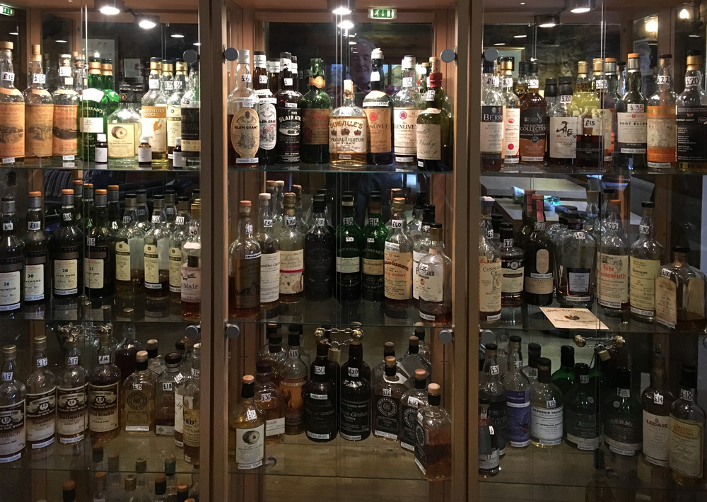 excellent whisky display