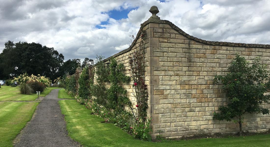 Walled Garden 09
