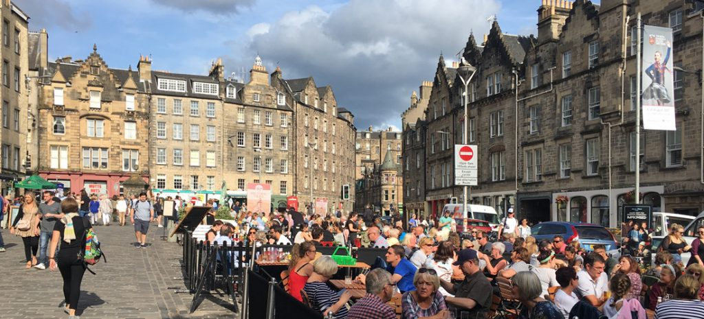 Al fresco dining at the Edinburgh International Festival